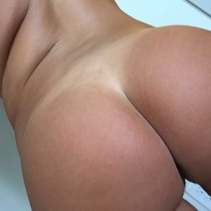 Zoie Burgher Nude Photos – Celeb Nudes